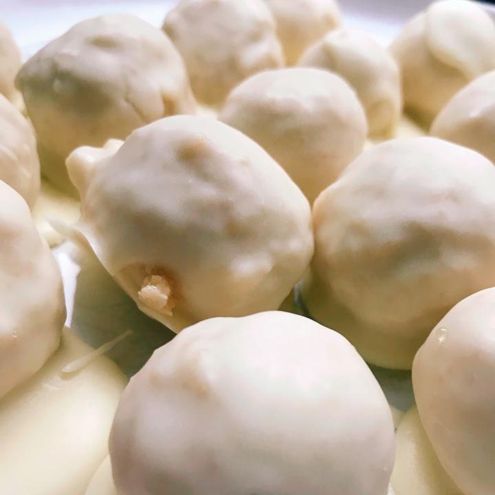 Baileys Cheesecake Balls