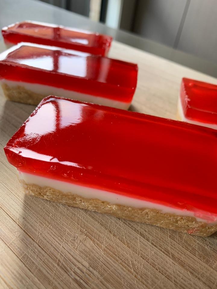 Rosé and Strawberry JellySlice